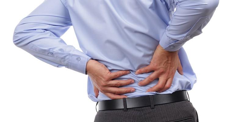 Schmerzen Rechte Seite des Rückens: unter den rippen, im